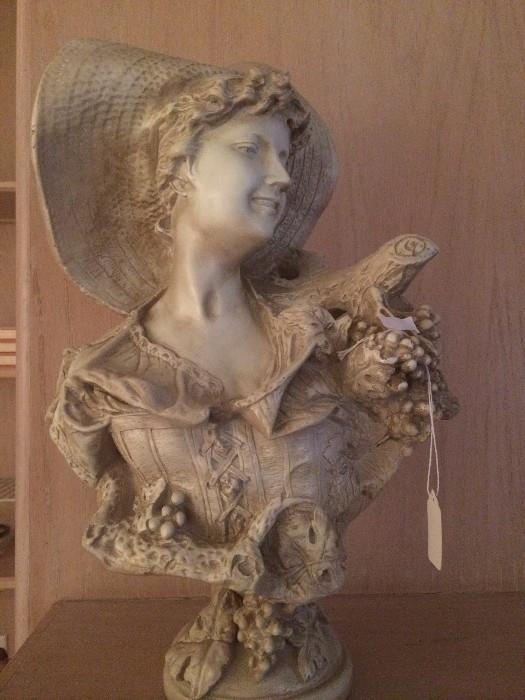 Decorative figure of a lady