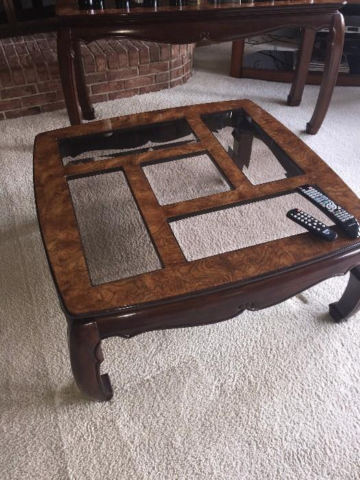 GORGEOUS AMERICAN FURNITURE CLASSICS LARGE SQUARE TABLE ( LOW )
