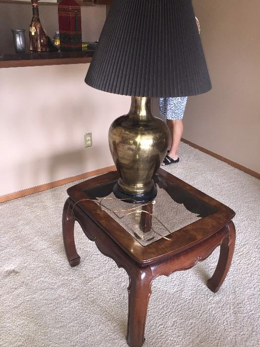 GORGEOUS AMERICAN FURNITURE CLASSICS SQUARE SIDE TABLE