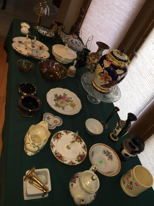 VINTAGE AND ANTIQUE GLASS AND CHINA