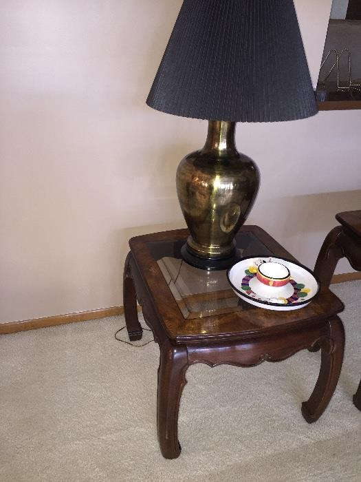 GORGEOUS AMERICAN FURNITURE CLASSICS  SIDE TABLE