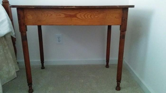 SWEET heart pine side table, bench made by the same Richmond, VA gentleman who made the double, 4-posted bed.
