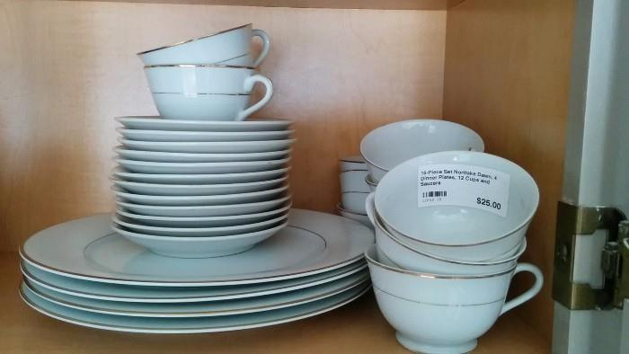 16-Piece set of Noritake Dawn china