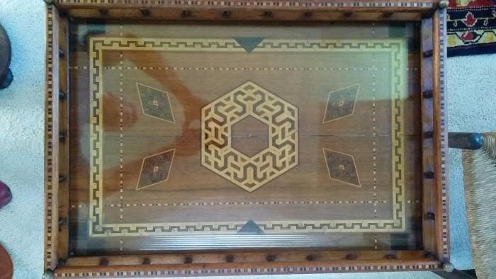 Here's that fabby inlaid table, top view - crazy, I knoooowwwww!