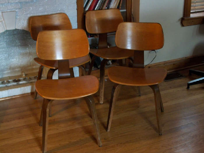 4 Thonet chairs