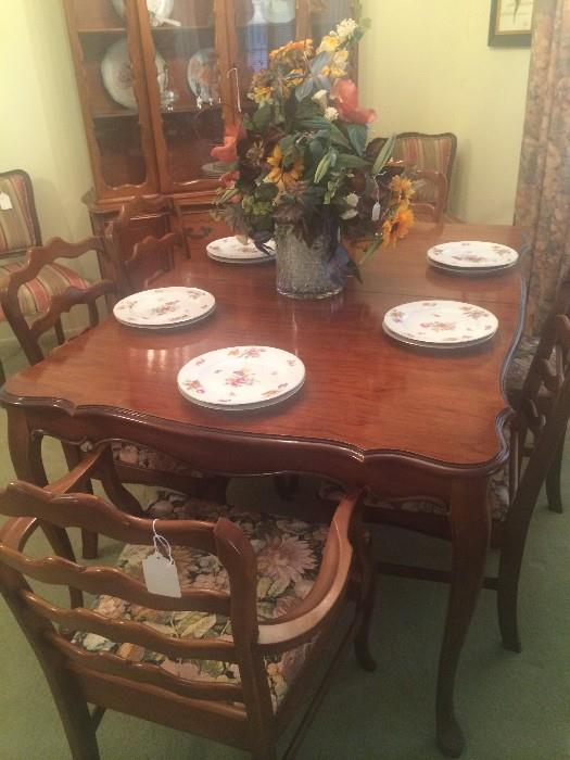 Dining table/6 chairs and matching china cabinet
