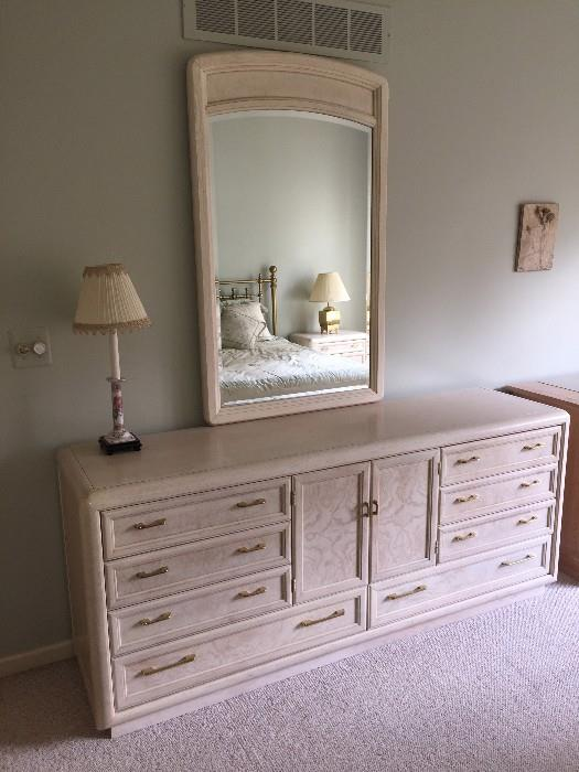 BEAUTIFUL CREAM THOMASVILLE BEDROOM SET-LONG DRESSER WITH MIRROR