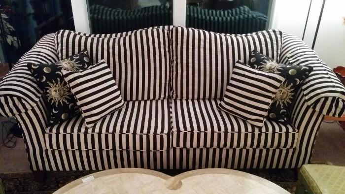 You'll love this sofa - it's like new