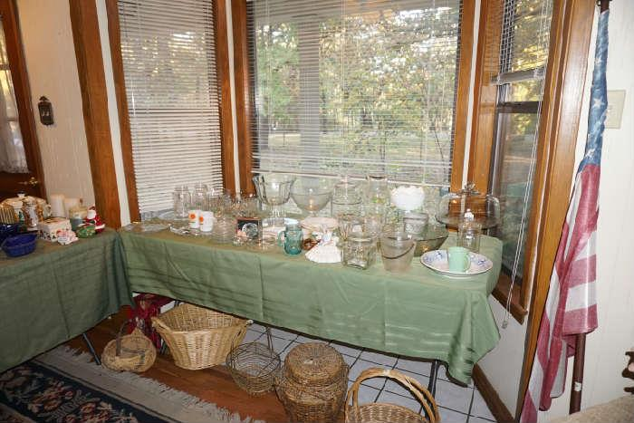 Glassware & baskets