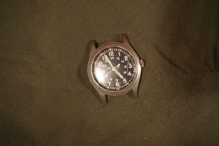 Military general purpose watch Mil-W-46374B,  Feb. 1982, Hamilton,  runs needs a crystal & band