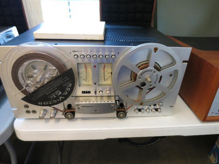 Pioneer RT-707 Reel To Reel.  Plays well.