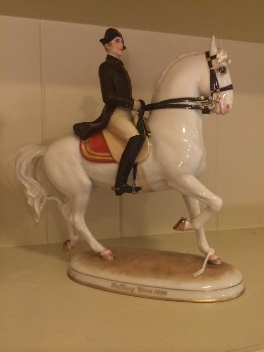 Holburg Wien 1926 figurnine