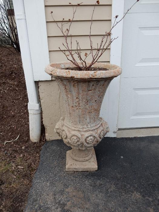 There are two of these urns available