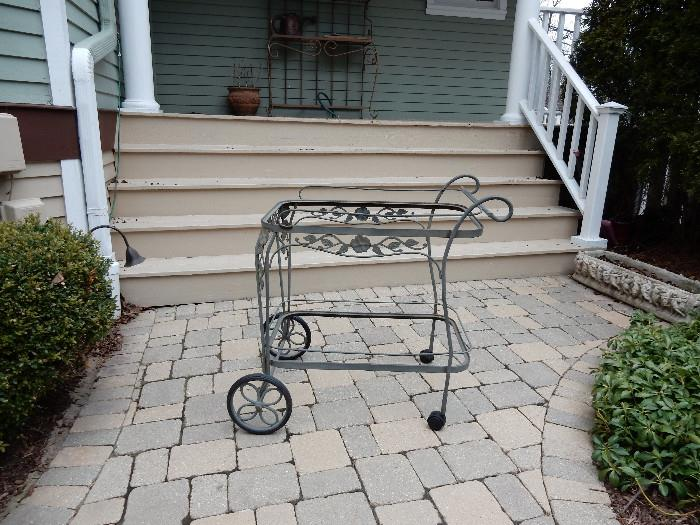 Woodard Patio Cart with Glass. The Glass is already packaged for Shipping.