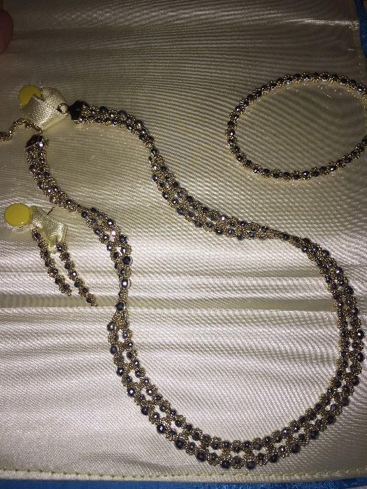 14K GOLD NECKLACE / EARRINGS AND BRACELET SET