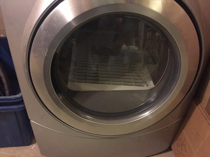WHIRLPOOL DUET WASHER AND ELECTRIC DRYER GREAT CONDITION COMES WITH PEDESTALS