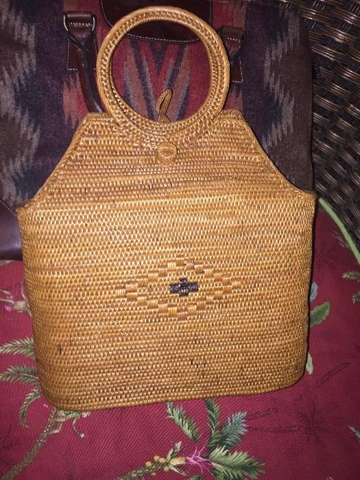 HAND-MADE WICKER BASKET HANDBAG