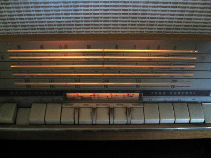 Kuhla Grand Piano Grundig Radio St Charles Starts On 3