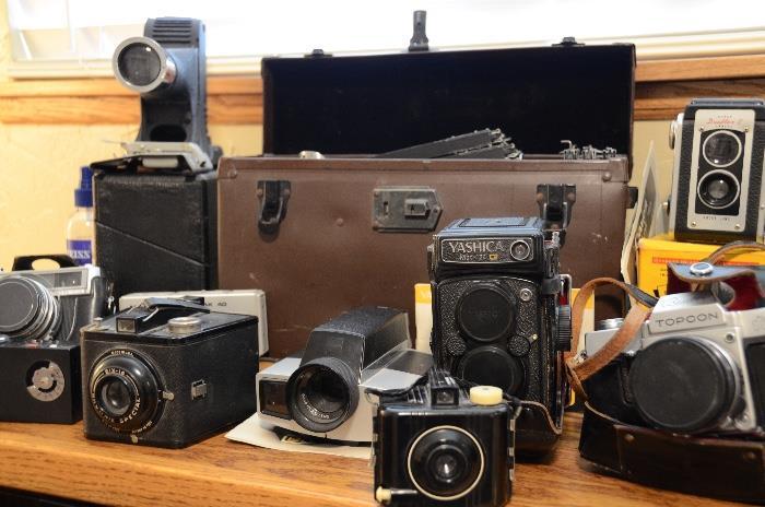 Yaschica Mat-124G, Kodak Duaflex, Kodak Special Brownie, Graphex Speed Graphic