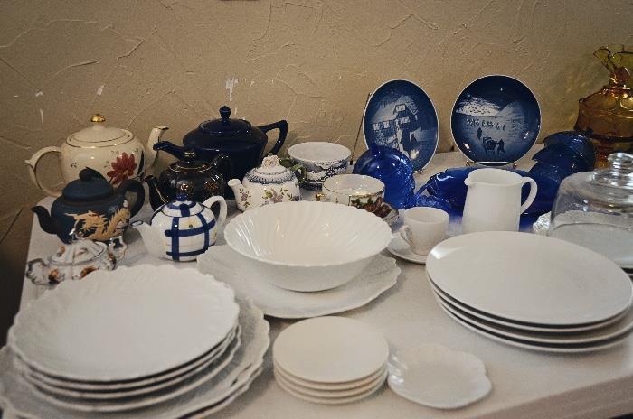 Teapots and Dishware