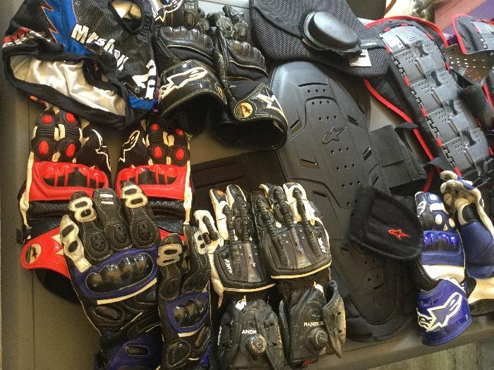 Motorcycle riding gloves, chest protector plates