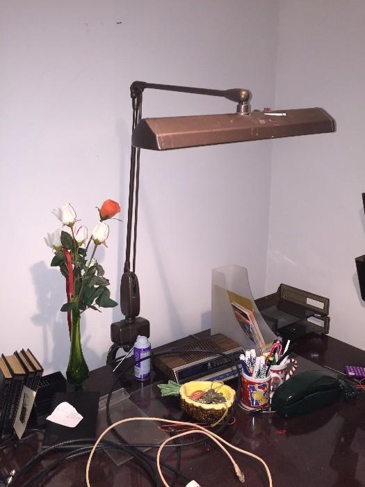 ANTIQUE METAL OFFICE LAMP