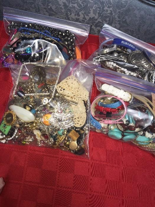 JEWELRY BAGS FOR ARTS AND CRAFTS
