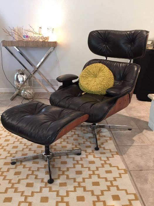 EAMSE STYLE CHAIR W/OTTOMAN
