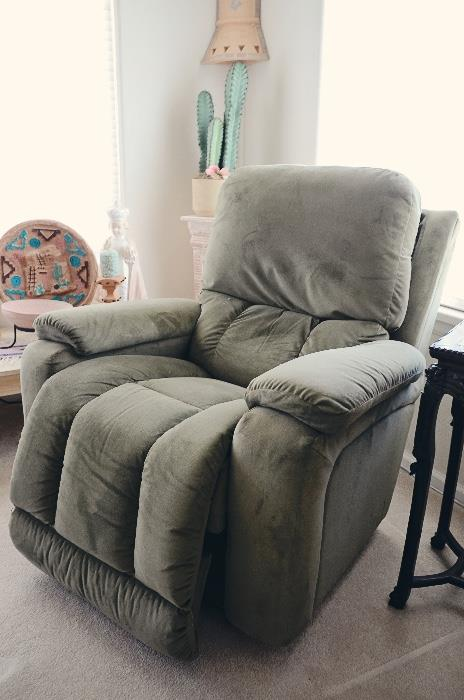 La-Z-Boy Power Lift Chair and Recliner