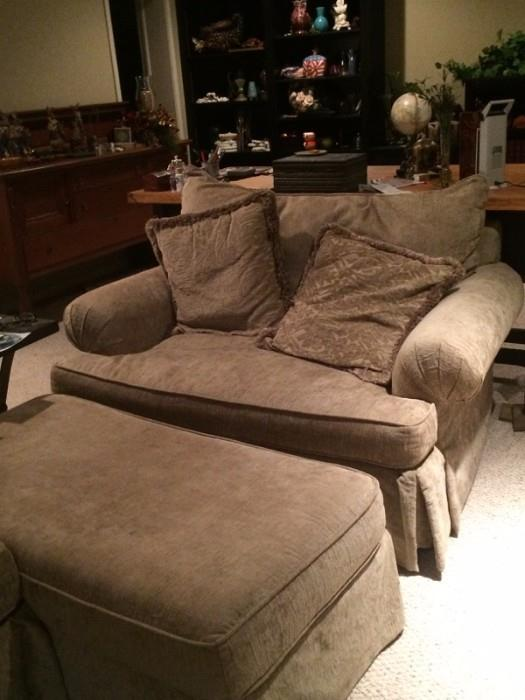 love seat and ottoman thee is also a couch in the set
