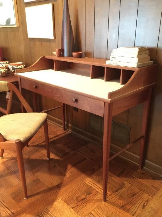 Drexel MCM Desk.