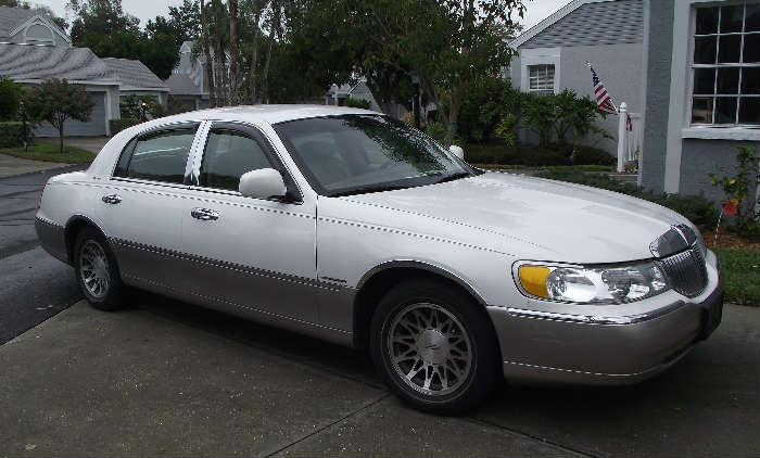 2001 Lincoln Town Car 72,000 miles
