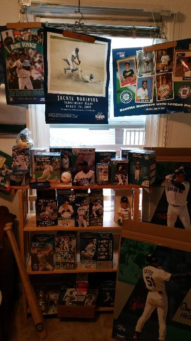 Mariners bobble heads and posters