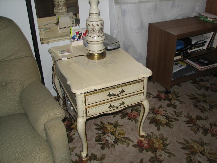 #2 END TABLE