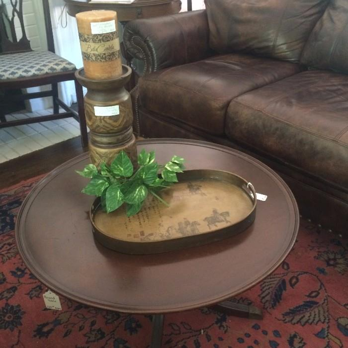 Round Duncan Phyfe coffee table
