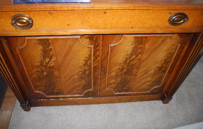 Mahogany flame front expandable table/chest