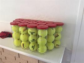 Tennis practice balls