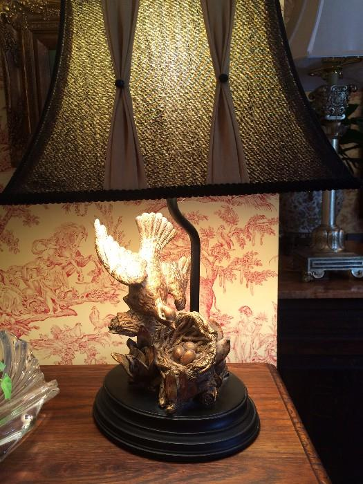 Birds (protecting nest) lamp