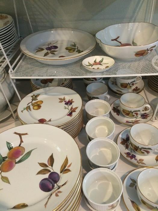 """1961 Royal Worcester """"Evesham"""" dishes made in England"""