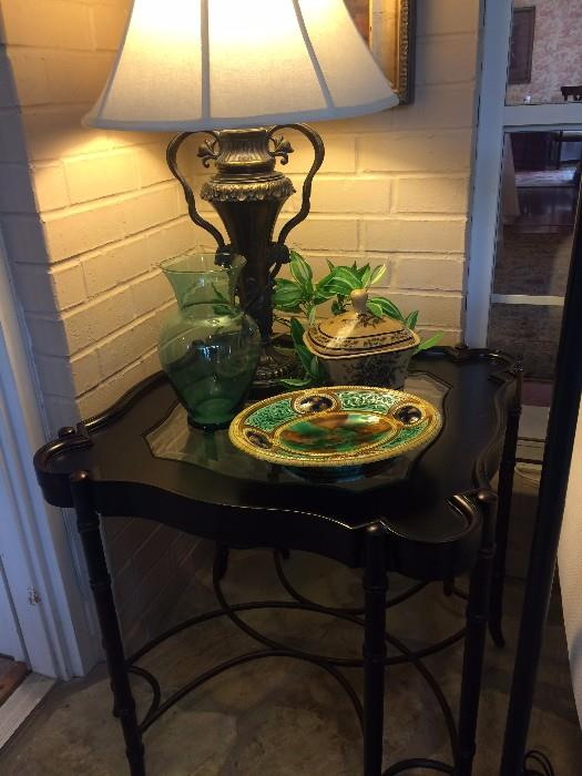 """Black """"square"""" side table; another great lamp"""