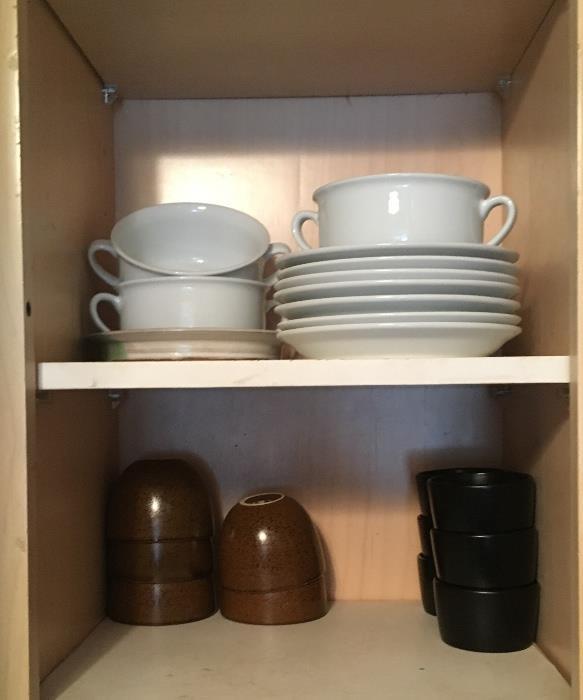 Dishes & kitchen ware