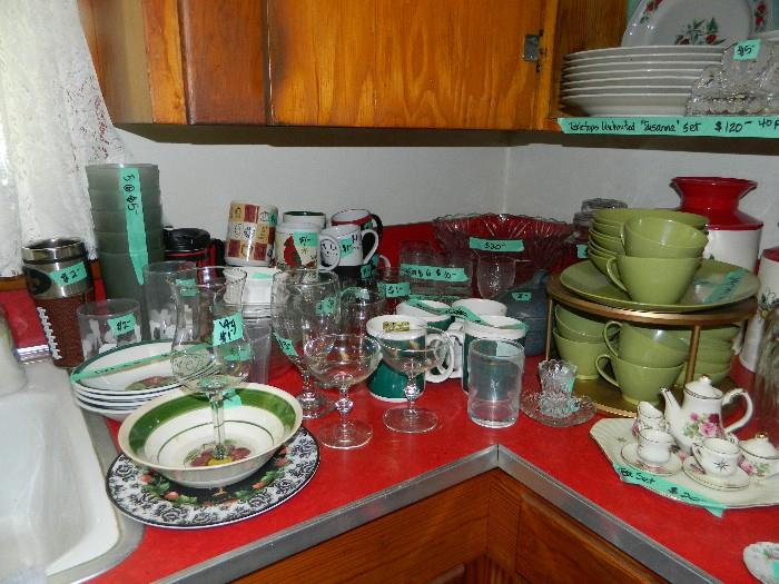 Additional pictures of kitchen