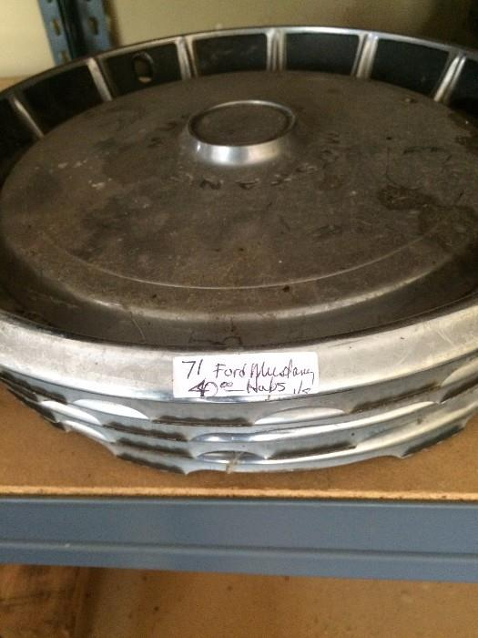 Vintage '71 Ford Mustang hubcaps