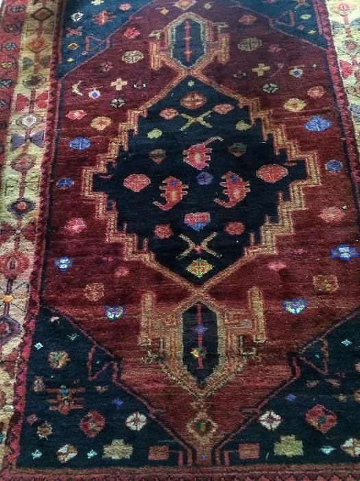 Antique Persian rug - 4 feet 2 inches x 5 feet 5 inches