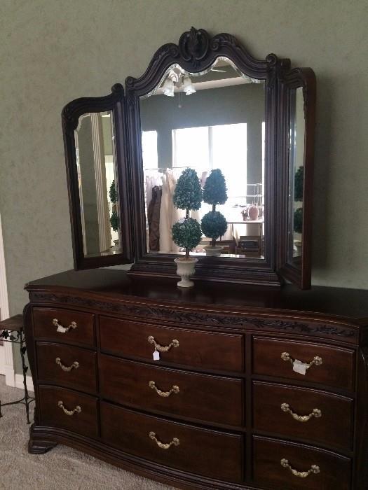 Lovely 9 drawer/tri-fold mirror bedroom dresser