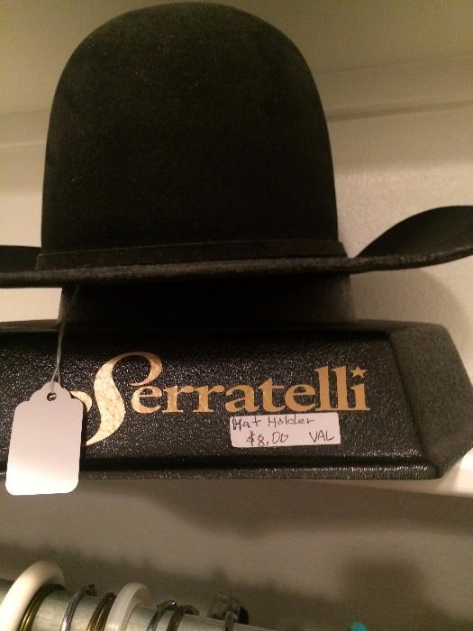 Serratelli hat