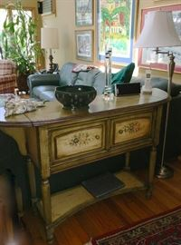Painted wood sideboard/console table