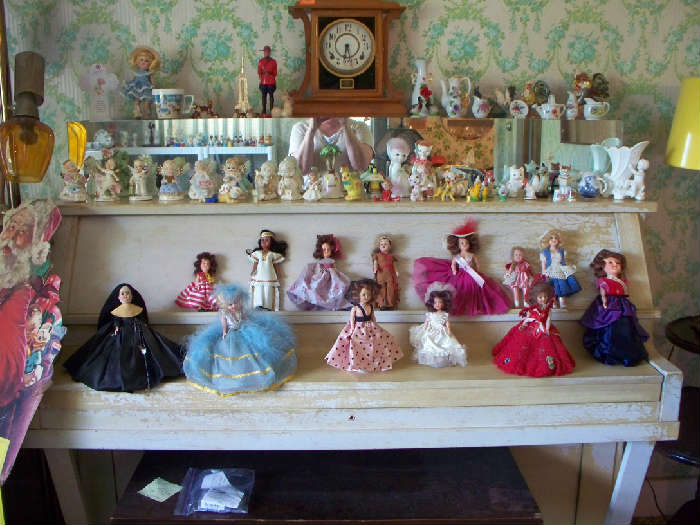 Small dolls and knick knacks