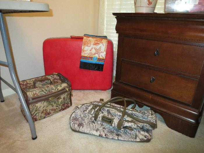 Another Kincaid Night Stand, Samsonite Hardshell Luggage, Carry On Bags
