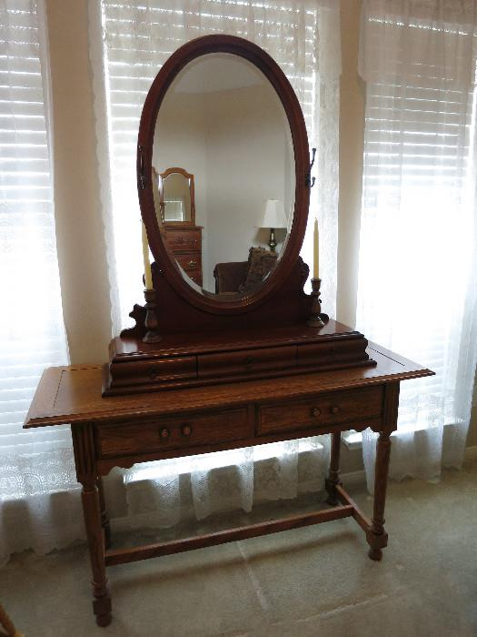 Oval Mirror Top Piece